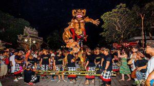 Pawai-Ogoh-ogoh-Bali-1