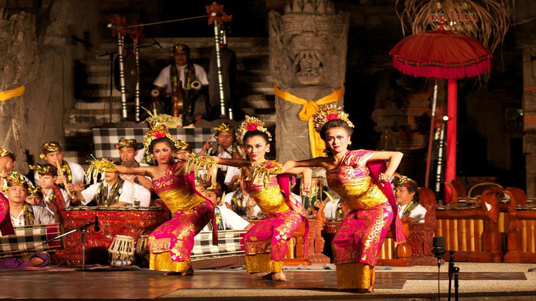GET TO KNOW PENDET DANCE, TIMELESS BALINESE CULTURE